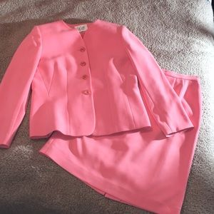 Le Suit 2pc Career Skirt Set Sz 10P Beautiful Set